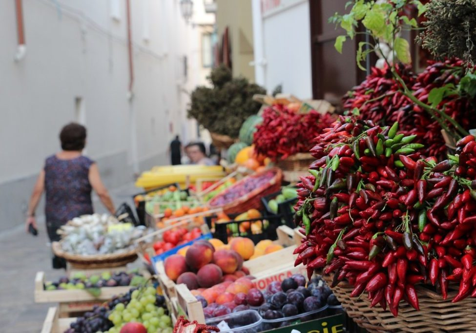 Apulien Flugreise Italien Markt
