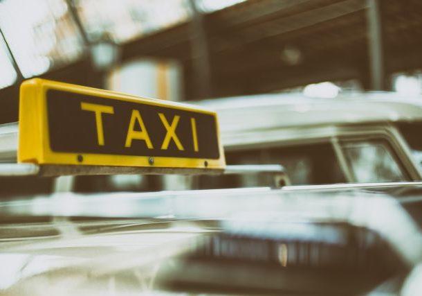 Haustürabholung mit dem Taxi